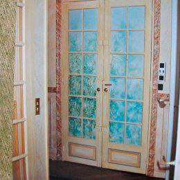 Trompe l'oeil sur portes d'entrée - (huile)
