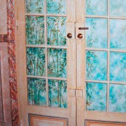 Détail - Trompe l'oeil sur portes d'entrée - (huile)