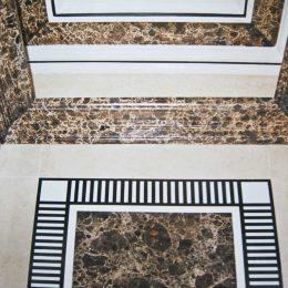 Faux marbres sur corniches - Salle de bain - Travail demandé par la maison B.Daugert